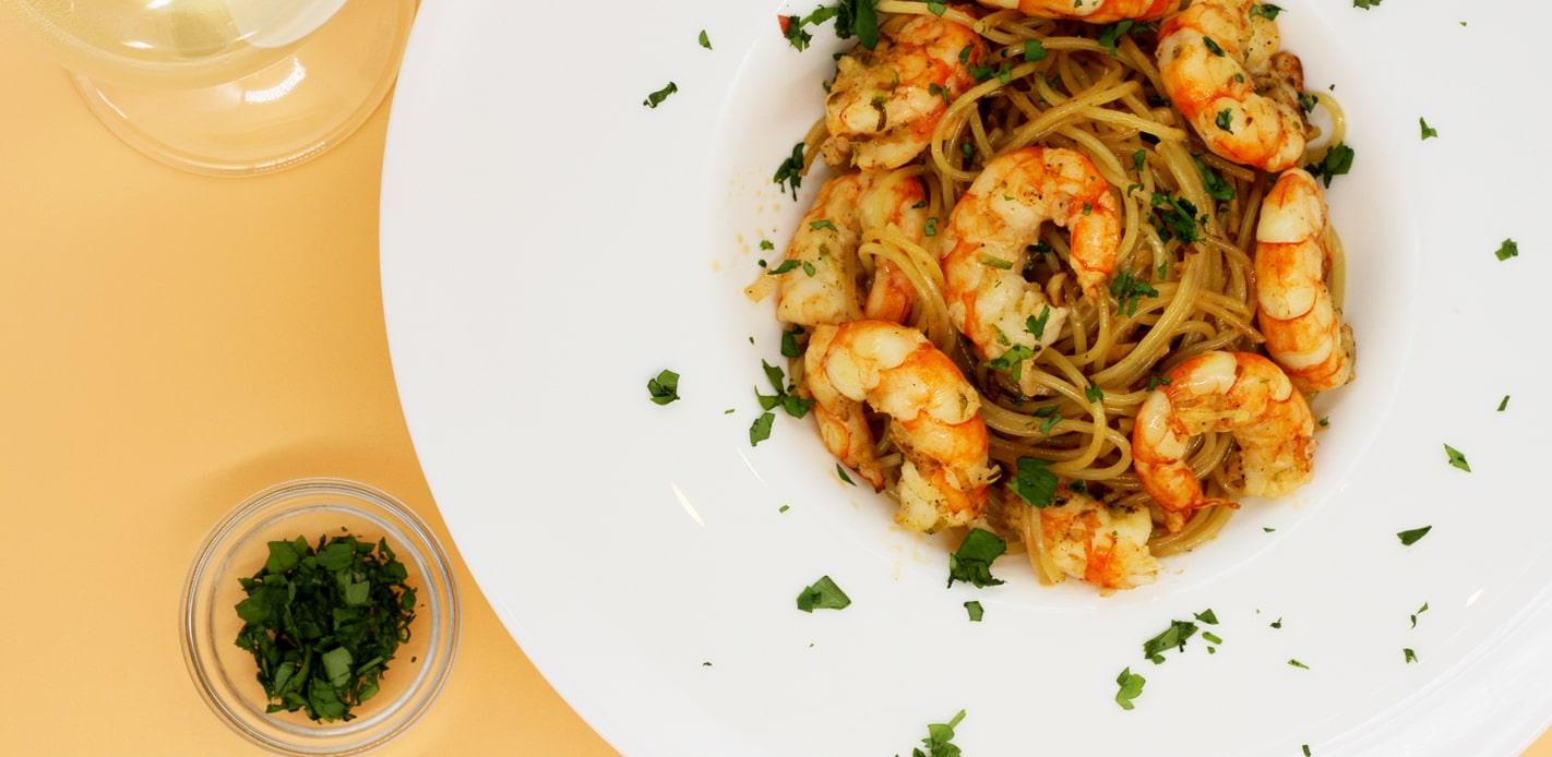 espaguete com camarão